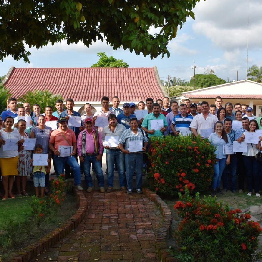 Certificación en Manejo Racional de Plaguicidas a proveedores de fruta