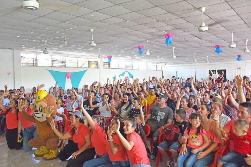 Más de 1.500 personas celebraron el Día de la Familia en Palmas del Cesar
