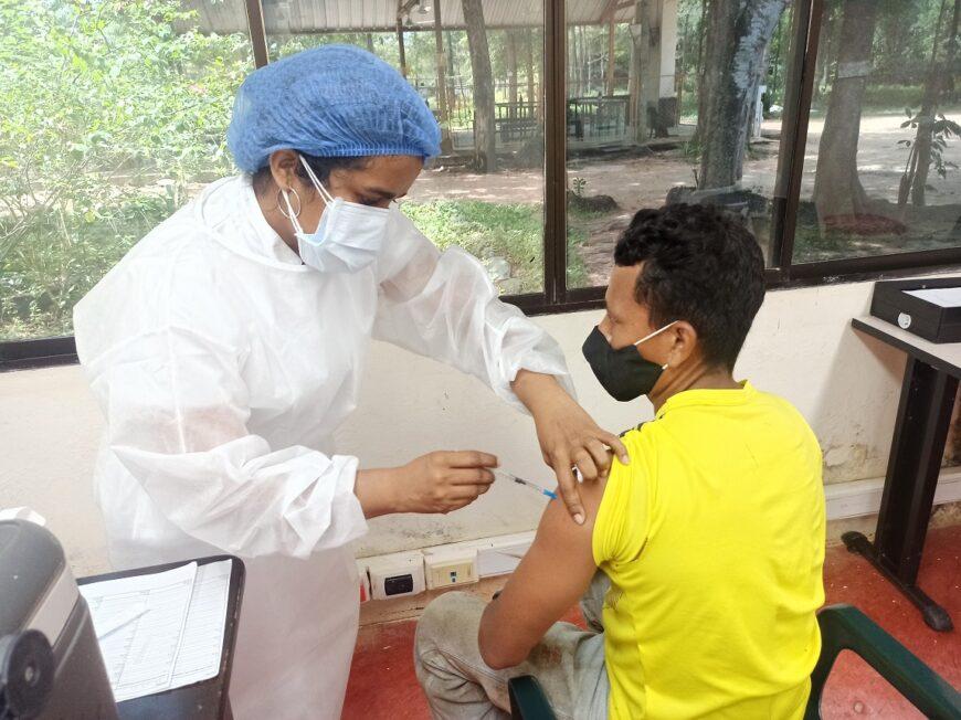 Palmas del Cesar inicia vacunación para sus trabajadores
