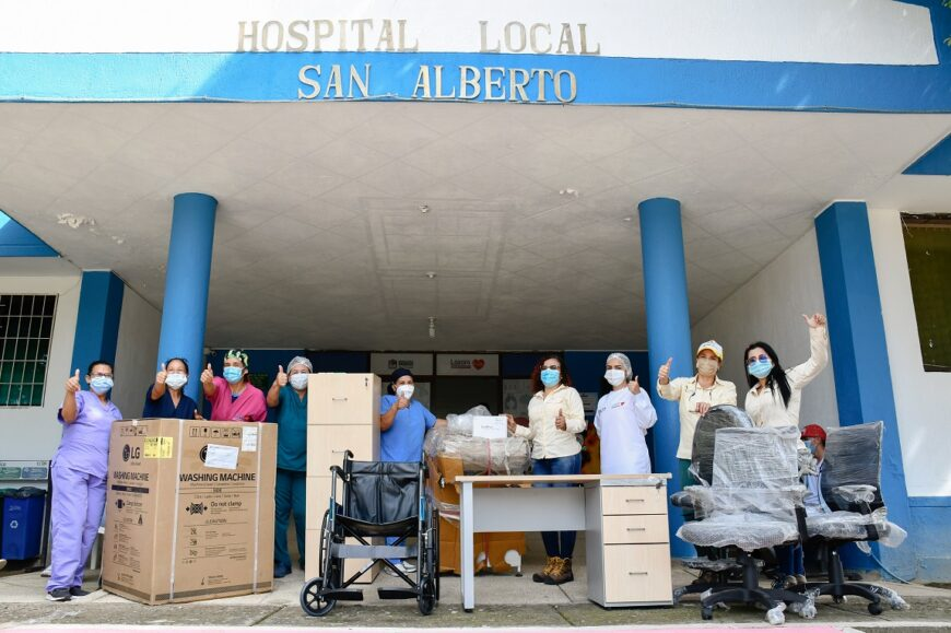 Palmas del Cesar y la Fundación Bajo el Palmar hacen donación al hospital de San Alberto